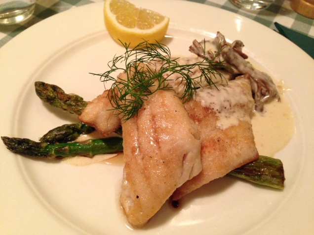 Fillet of Pike-pearch with a chanterelle sauce and asparagus. It was served with mashed potato on the side.
