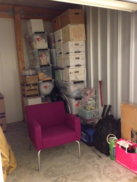 New storage! Of course my wonderful hot pink chair has front space.
