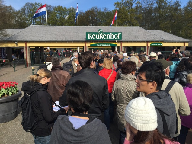 The main entrance at Keukenhof. Yes, we were not alone. :) I have so many pictures from the part, and it was very hard to pick, but these are a few of my favourites.